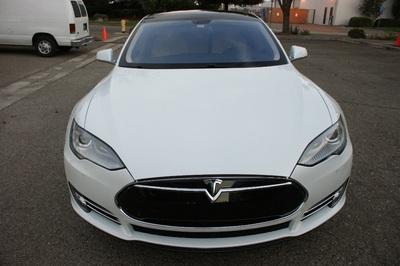 2014 Tesla Model S Performance