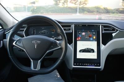 2016 Tesla Model S 85D